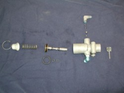 Globe Swift Downlock Disassembled