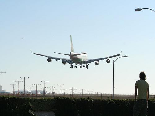 Boeing 747 landing.