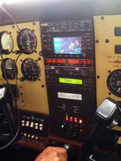 Cessna C-182Q instrument panel