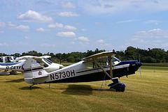 Piper tailwheel aircraft.