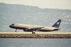 UAL A-320 landing at SFO.