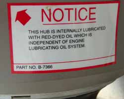 Notice of lubricating oil in the propeller hub.